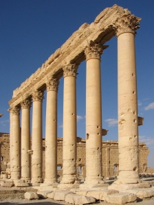 Columns_in_the_inner_court_of_the_Bel_Temple_Palmyra_Syria
